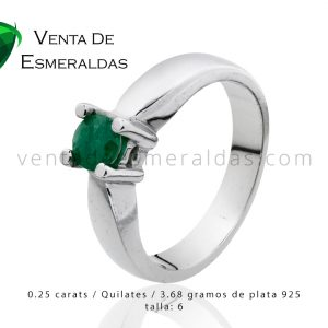 anillo en plata con esmeralda colombiana